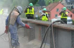 Sandstrahlen im Lohn mobil auf Baustellen