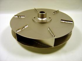 Maschinelles Sandstrahlen bei der Dunkel Strahltechnik